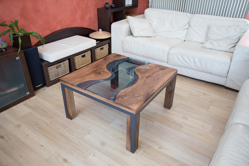 table basse salon Noyer. Design contemporain création francaise